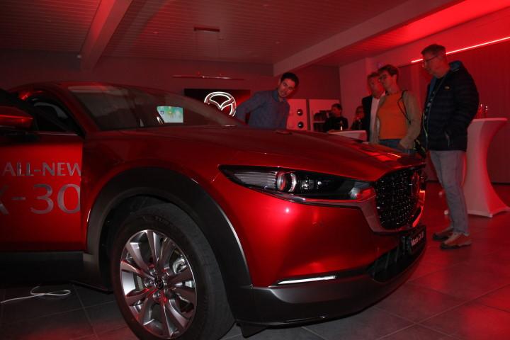 https://garage-wendelspiess.mazda.ch/wp-content/uploads/sites/97/2021/02/Vip-Event-Mazda-CX-30-4-1.jpg